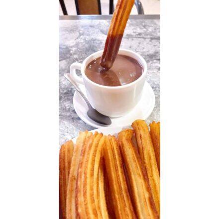 Unos churros con chocolate para desayunar