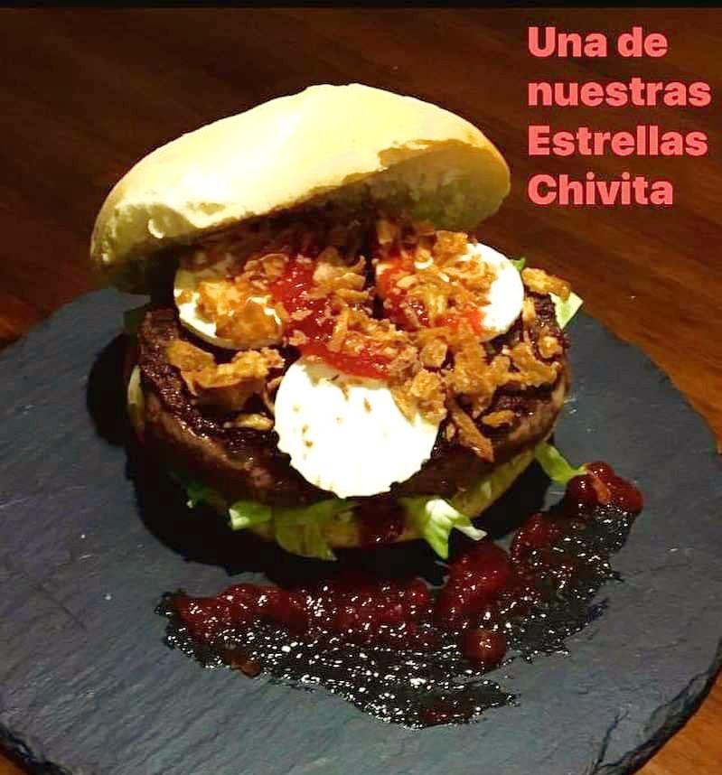 Hamburguesa Chivita – Cafetería La Catedral