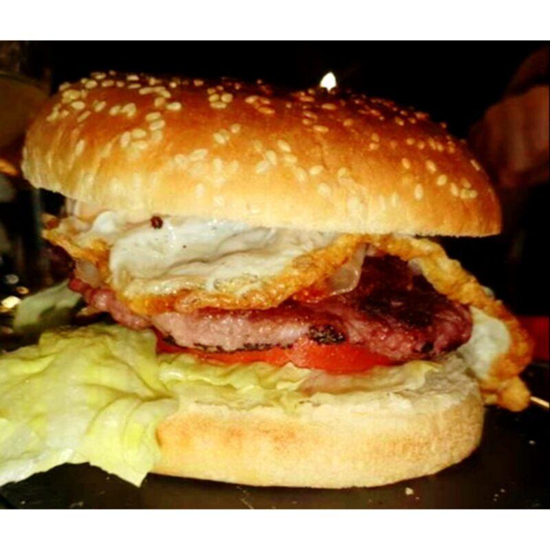 Ricas hamburguesas – Café&Bar El Bocao