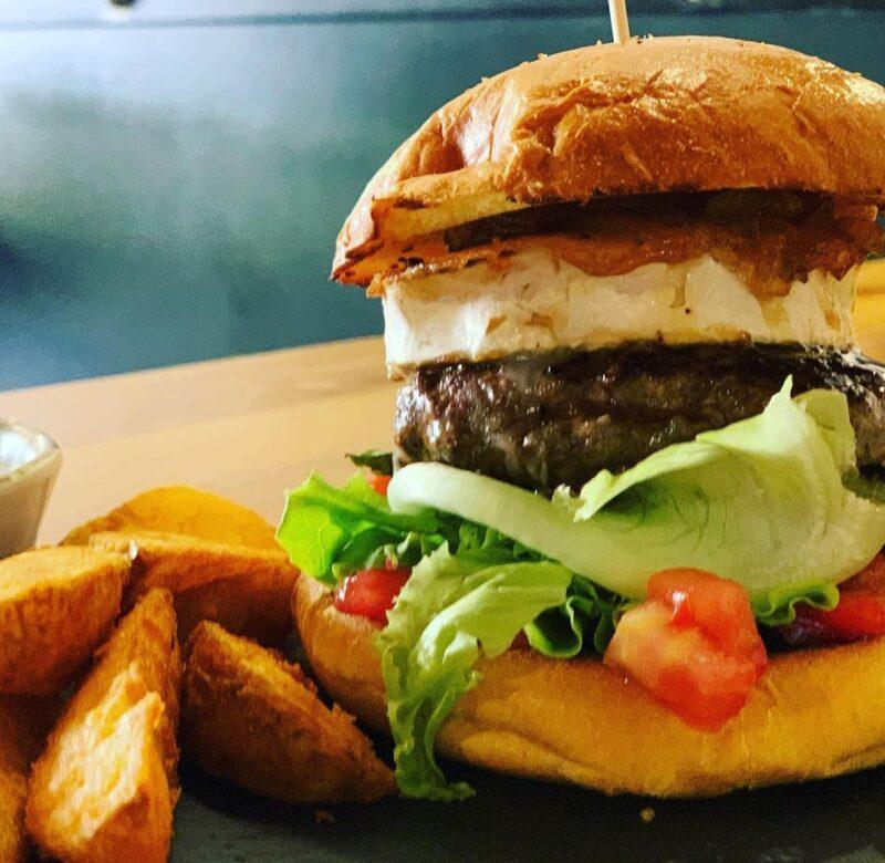 ¿Terminamos la semana con una hamburguesa? – Café D´Morán