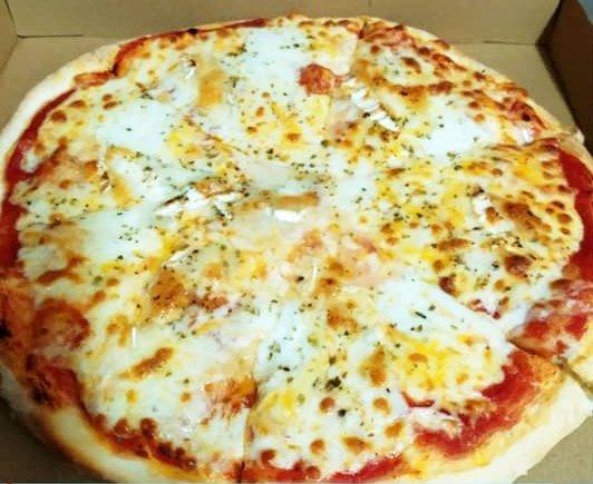Pizzería Famiglia ya está con las manos en la masa